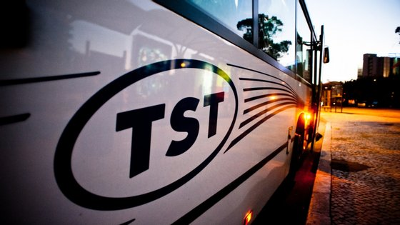 A TST, detida pelo grupo Arriva, desenvolve a sua atividade na península de Setúbal