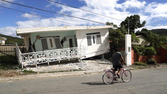 A chefe do Executivo mobilizou a Guarda Nacional, órgão paramilitar dos EUA, para dar resposta aos danos provocados pelo sismo