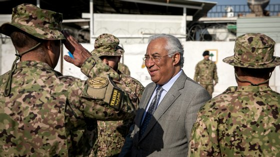 António Costa ofereceu relógios aos militares portugueses no Iraque antes do Natal