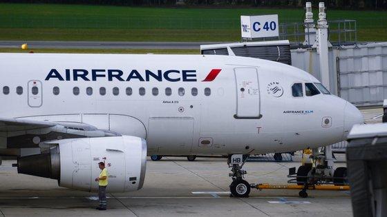 O avião vinha da Costa do Marfim