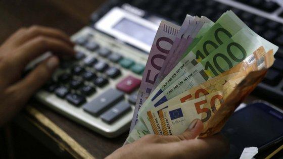 Para reformas entre 877,6 euros e os 2.632,8 euros brutos a subida é de 0,24% e acima deste montante não há aumentos