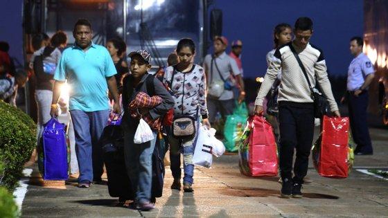 Centenas de milhares de venezuelanos procuram uma vida melhor no Brasil desde que a crise se instalou no seu país