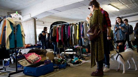 Roupa, acessórios, decoração e arte em segunda mão estarão à venda no primeiro FleaMarket do ano, no Porto