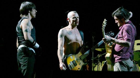Anthony Kiedis, Flea e John Frusciante estão de novo juntos nos Red Hot Chili Peppers, acompanhados pelo baterista Chad Smith