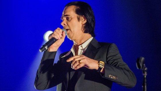 Nick Cave segue-se a Pink e a Elton John que também já fizeram doações à causa