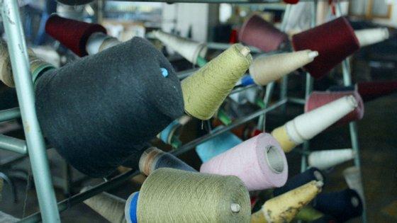 A categoria de produtos que registou maior acréscimo absoluto foi a de vestuário em tecido