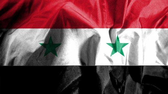Vários ataques aéreos atingiram ocorreram na noite de quinta para sexta-feira ao longo da fronteira entre a Síria e o Iraque