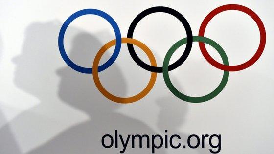 Pequim recebeu os jogos de verão em 2008, tornando-se, em 2022, na primeira cidade a acolher as duas competições organizadas pelo COI