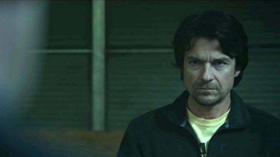 """Jason Bateman é o protagonista de """"The Outsiders"""". Veja aqui mais imagens da série"""