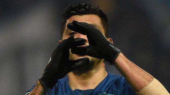 Corona marcou o primeiro golo da temporada já depois de ter feito uma assistência e ter sofrido uma grande penalidade