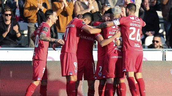 Lourency e Sandro Lima foram os marcadores dos golos da equipa de Barcelos, contra o Belenenses SAD