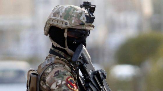 Membro das forças especiais iraquianas em serviço