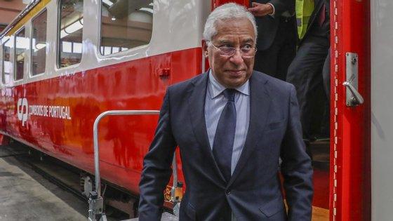 """Estarmos no clube dos produtores de comboios """"é difícil, mas se não fosse, para que é que estávamos aqui?"""", pergunta António Costa"""