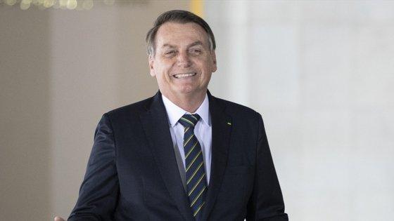"""""""Discutimos as ótimas perspetivas para a nossa relação bilateral e concordamos em manter estreito contacto para fortalecer ainda mais a histórica parceria entre os nossos países"""", disse Bolsonaro"""