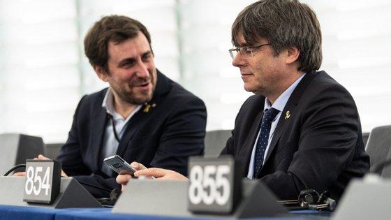 O Tribunal Supremo espanhol pediu o levantamento da imunidade parlamentar de Puigdemont e Toni Comín