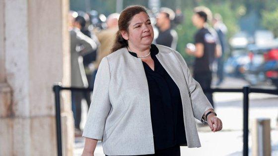"""""""Estamos neste momento a convocar os sindicatos para uma nova ronda negocial cujo primeiro ponto é exatamente aumentos salariais"""", disse Alexandra Leitão"""
