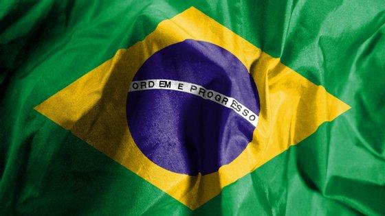 """presidente da câmara baixa parlamentar do país, Rodrigo Maia, reagiu à citação afirmando que """"o secretário da Cultura passou todos os limites"""". E acrescentou: """"É inaceitável. O governo brasileiro deveria afastá-lo urgentemente do cargo"""""""