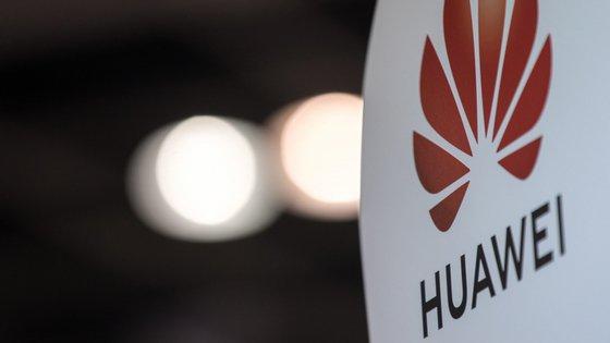 No Vietname, a empresa também excluiu equipamentos da Huawei da rede 4G, atualmente em uso, apesar de recorrer a tecnologia chinesa em alguns dos outros países onde as suas subsidiárias locais fornecem serviços de quarta geração