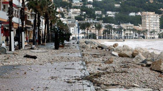 A tempestade mantém quase 40 das 50 províncias que há em Espanha em estado de alerta, em particular nas Ilhas Baleares (Mediterrâneo) e no leste do país