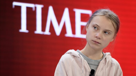 A militante ecologista sueca, 17 anos, foi convidada pela segunda vez para participar no encontro que reúne a elite económica e política de tudo o mundo e que este ano assinala 50 anos de reuniões