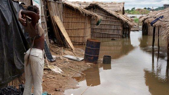 A época chuvosa já afetou mais de 600 salas de aula, 47 escolas, cerca de 12 mil casas, 10 unidades sanitárias e mais de uma centena de postes de energia