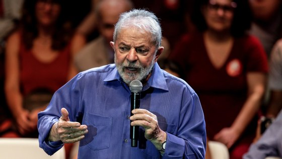 """O prémio foi atribuído como resultado da """"dignidade e do carácter respeitoso, pacífico e democrático com que [Lula da Silva] assume a perseguição política judicial a que foi sujeito"""