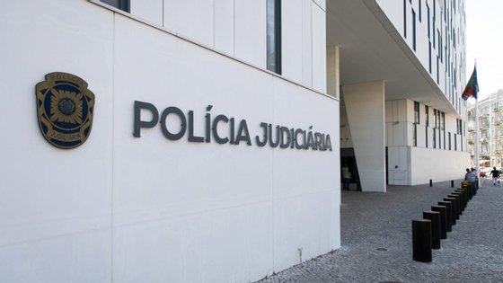 O arguido foi presente ao Tribunal da Relação de Guimarães e encontra-se agora em prisão preventiva a aguardar extradição