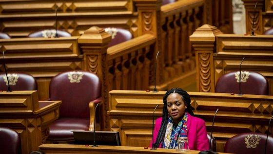 """A medida, assinada pela parlamentar única do Livre, Joacine Katar Moreira, está inserida numa proposta que pretende implementar um programa de """"descolonização da cultura"""""""