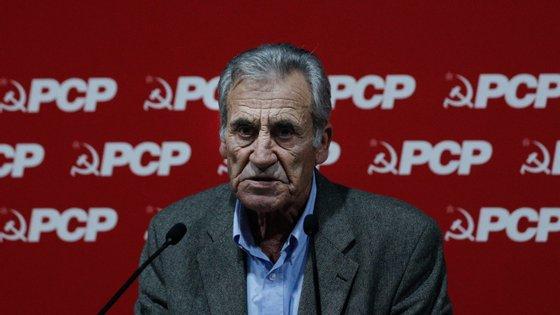 """""""Se houve bancadas que alteraram a sua posição e nos procuram acompanhar, não é uma coligação negativa, é um passo adiante que nós valorizaríamos muito"""", disse Jerónimo de Sousa"""