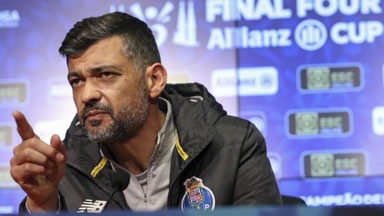 """Questionado sobre o facto de o FC Porto, sob o comando de Sérgio Conceição, ter pouco sucesso nas taças, o treinador deixou bem clara a vontade de vencer, afirmando que o que esteve na base da ausência de troféus """"foram pormenores"""""""