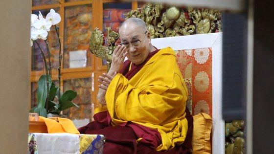 Nascido a 6 de julho de 1935 com o nome de Lhamo Dhondup, é filho de um casal de agricultores nas colinas do nordeste tibetano