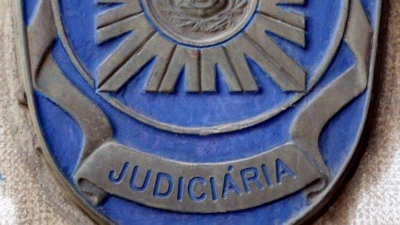 O homem vai ser presente a primeiro interrogatório judicial perante um juiz de instrução criminal para aplicação das medidas de coação