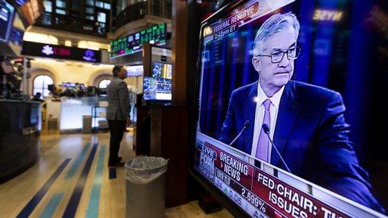 Jay Powell, líder do comité que determina a política monetária do EUA, decidiu cortar as taxas de juro para conter os riscos do coronovírus.