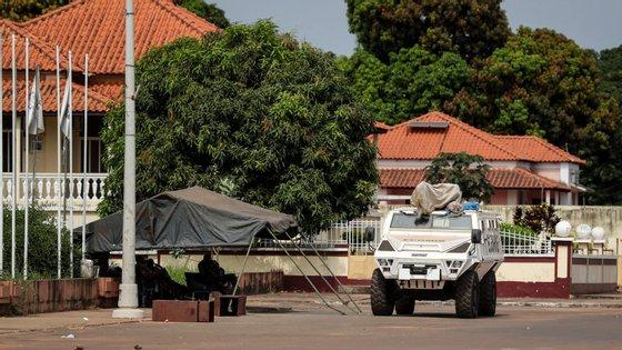 Comunidade Económica de Estados da África Ocidental ameaçou impor sanções a quem atente contra a ordem constitucional estabelecida na Guiné-Bissau