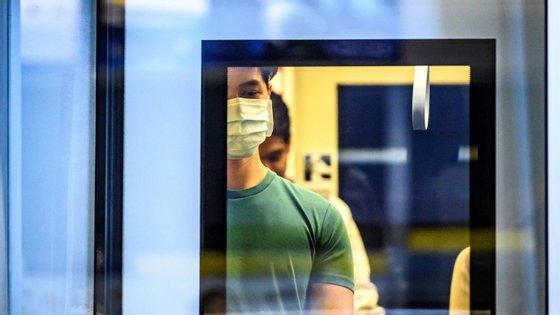 Há um quinto caso confirmado em Portugal. Paciente foi encaminhado para o Hospital de São João, no Porto