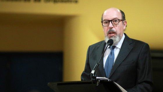 Segundo Paz Barroso, a decisão foi já comunicada aos membros da direção, ao presidente da Mesa da Assembleia Geral e ao presidente do Conselho Fiscal da Associação dos Amigos do Coliseu do Porto