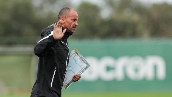 Silas passou para o papel o acordo verbal com a SAD do Sporting pouco mais de 24 horas depois e deixou Alvalade