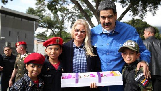 """O líder da Venezuela realçou, ainda, o trabalho e o esforço das mulheres que """"trazem crianças ao mundo"""" e reconheceu que uma das coisas mais importantes são as mulheres grávidas"""