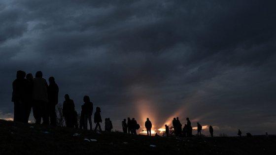 """Migrantes """"são de facto os últimos culpados daquela que é a sua utilização neste momento pela Turquia enquanto forma de pressão sobre as instituições europeias"""", disse Eduardo Cabrita"""