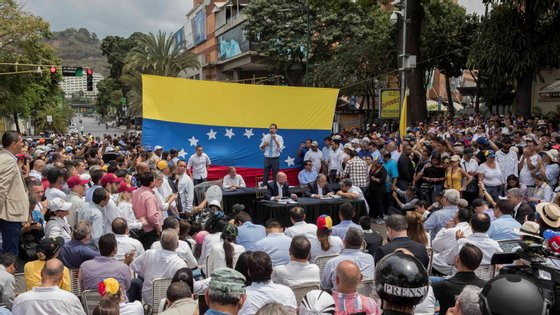 Mais de 50 países apoiam o autoproclamado presidente interino da Venezuela Juan Guaidó