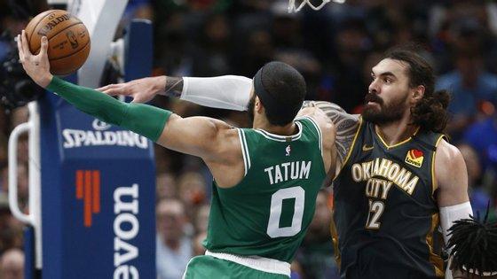 """Os Boston Celtics (43 vitórias e 21 derrotas) são a terceira equipa da Conferência Este a seguir para os """"play-offs"""", juntando-se aos Milwaukee Bucks (53-12) e aos campeões em título Toronto Raptors (46-18)"""