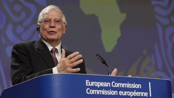 """""""Todas as partes devem respeitar o quadro legal e constitucional para resolver a crise pós-eleitoral"""", sublinhou o Alto-Representante da UE para a Política Externa, Josep Borrell"""