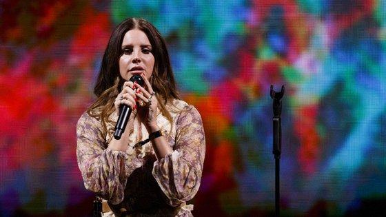 A cantora Lana Del Rey foi uma das grandes confirmações do festival portuense para a sua próxima edição, agendada para junho