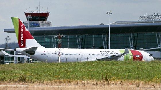 Segundo o Tribunal de Contas, a ANA – Aeroportos de Portugal recebeu 157 milhões de euros, entre 2015 e 2017, omitidos das contas públicas