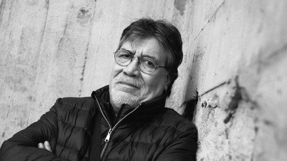 """Luis Sepúlveda lançou o primeiro livro, """"Crónicas de Pedro Nadie"""", em 1969"""