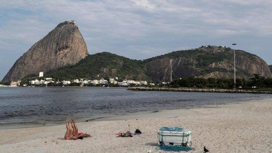 O governador proibiu a circulação de transportes públicos entre a capital do Rio de Janeiro e a restante região metropolitana do estado