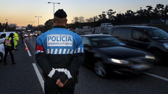 Os quase 20 mil agentes da PSP vão poder ser vistos na rua com mais frequência nos próximos dias