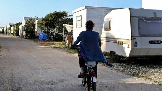 """O movimento """"ISTAR contra o Covid-19"""" já reuniu cerca de duas centenas de veículos entre caravanas e autocaravanas que """"ficarão pelo tempo que for necessário"""" nas unidades de saúde"""