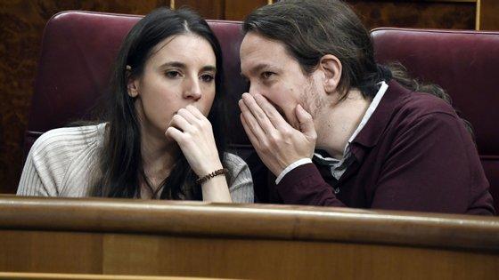 Pablo Iglesias tentou submeter-se a uma quarentena voluntária depois da sua companheira, a ministra Irene Montero, ter sido diagnosticada com Covid-19.