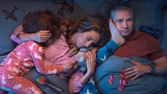 "Daisy Haggard e Martin Freeman são os protagonistas de ""Breeders"""